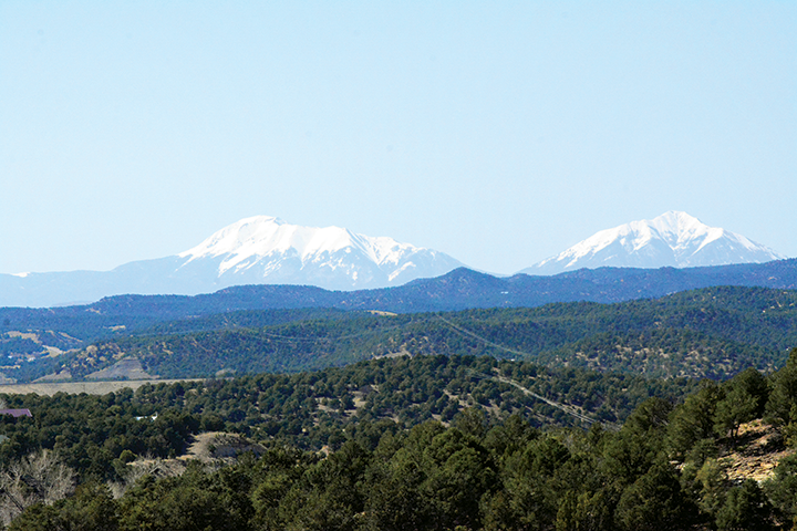 Clear mountainous view of the Spanish Peaks