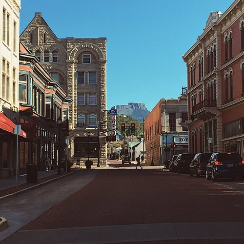 Image of Commercial Street in Trinidad looking up to Fisher's Peak